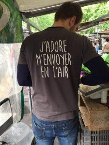 vendeur, marché des Batignolles, chez SARL Renard, producteur légumes bio, 78