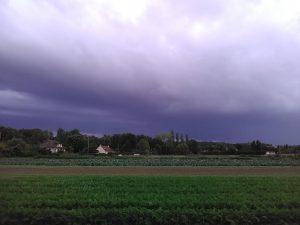 ciel d'orage chez SARL Renard, maraîcher bio 78